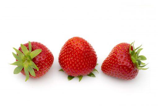 Verdi aardbeien van aardbeiplanten